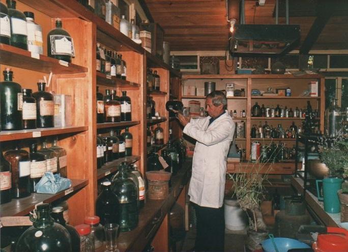 Eduardo Frenk, Destacado Ingeniero Químico nacional