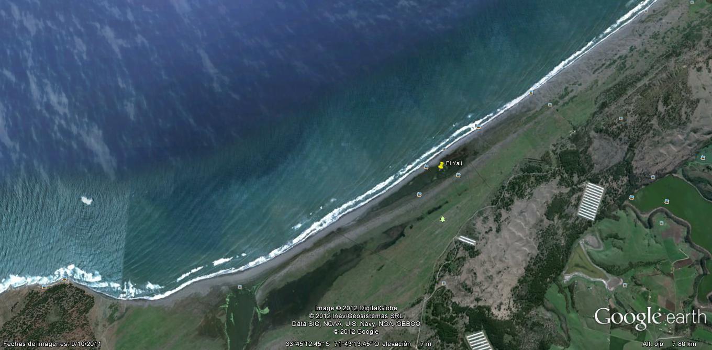 Imagen de Google Earth mostrando la ubicación central del Humedal El Yali. Se indica en amarillo el sector Albufera, contiguo a la costa y zona en cuestionamiento.